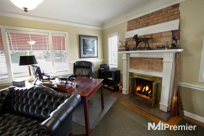 Holladay-office-po-fireplace